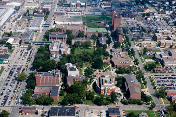 마샬 대학 캠퍼스의 항공 보기 스톡 사진