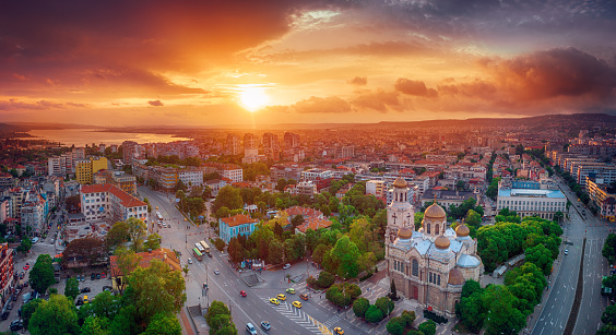 Luftbild Von Der Kathedrale Mariä Himmelfahrt In Varna Stockfoto und mehr Bilder von Architektur