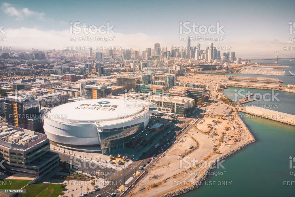 Luftaufnahme Der Chase Center Warriors Arena Und Der Skyline Von San Francisco Stockfoto Und Mehr Bilder Von Architektur Istock