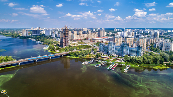 istock Aerial view of the Dnieper river with its left bank in Kiev, Ukraine 985980188