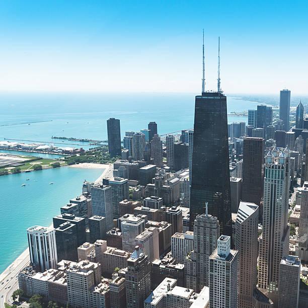 vista aérea de la ciudad de chicago - edificio hancock chicago fotografías e imágenes de stock