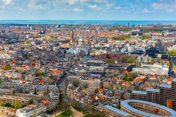luchtfoto van den haag, stadsgezicht, nederland - den haag stockfoto's en -beelden