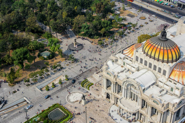 vista aérea del palacio de bellas artes y la alameda - gerardo huitrón fotografías e imágenes de stock