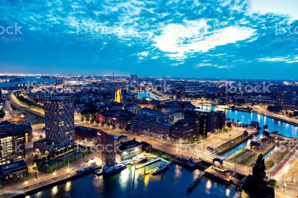 Luchtfoto van de skyline van Rotterdam - Royalty-free Architectuur Stockfoto