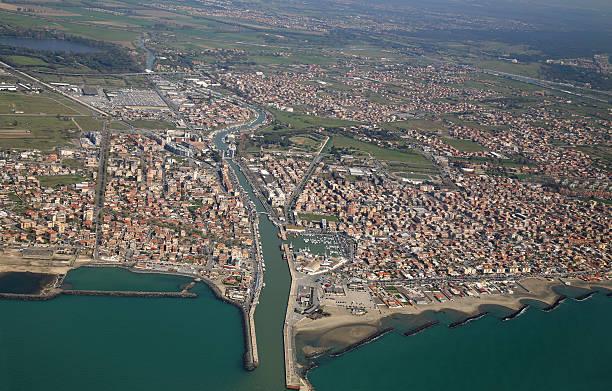 Luftbild von die tyrrhenische Küste und Fiumicino Stadt, in der Nähe von – Foto
