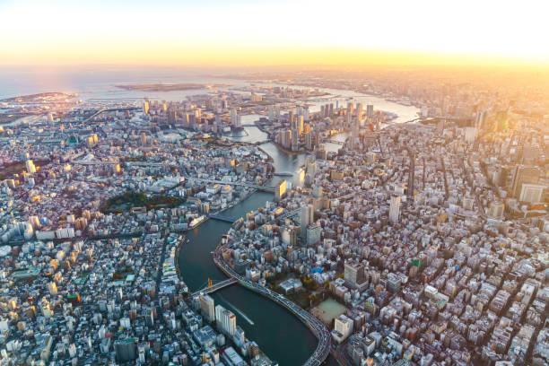 東京の航空写真 - 未来都市 ストックフォトと画像