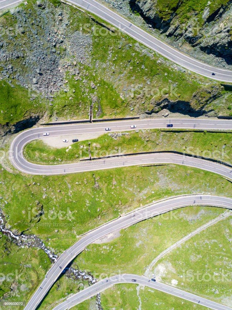 Luftaufnahme von Transfagarasan Wicklung Highway in Rumänien – Foto