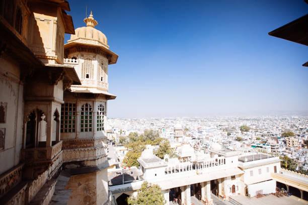 Luftaufnahme der Stadt Udaipur, Indien – Foto
