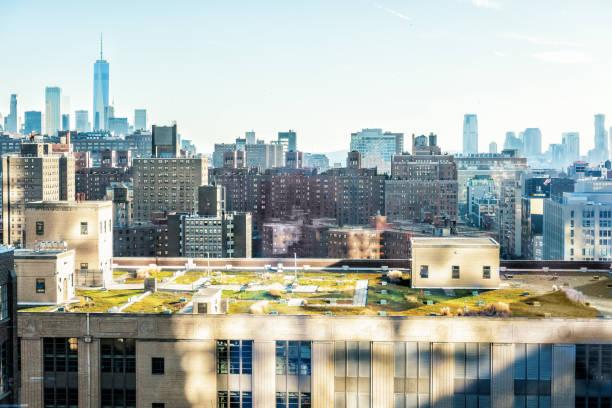 luftaufnahme der städtischen stadtbild, skyline, dachgarten gebäude wolkenkratzer in new york city-chelsea-westseite - dachgarten stock-fotos und bilder