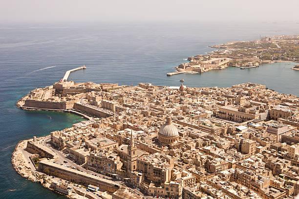 공중 뷰 발레타 몰타행. 받은 단궤 항공기 - 몰타 뉴스 사진 이미지