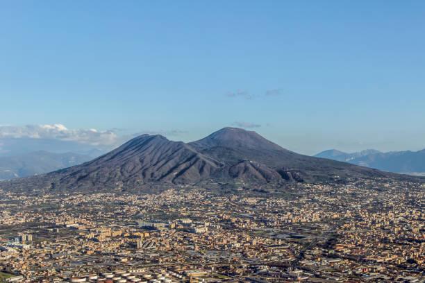 Luftaufnahme des Vesuv Vulkan in Neapel – Foto