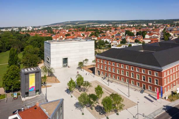 Luftaufnahme Weimars mit dem neuen Bauhaus-Museum, Deutschland – Foto