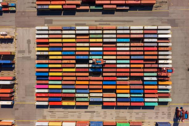 Luftaufnahme eines Containerhafens, Deutschland – Foto