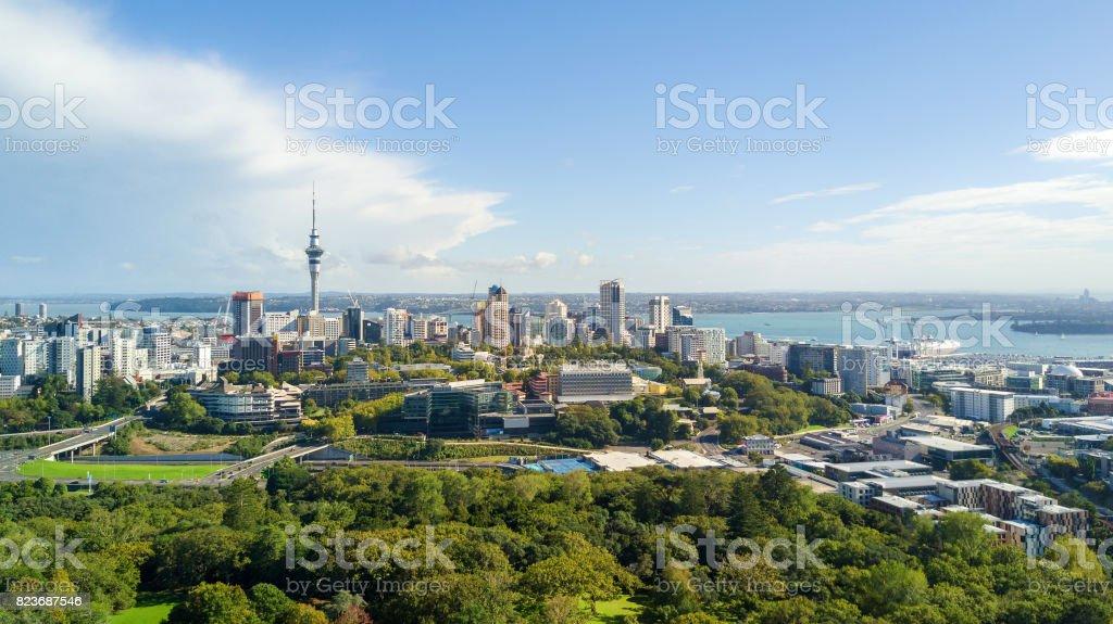 Blick auf Auckland Stadtzentrum mit Waitemata Harbour auf dem Hintergrund. Neuseeland – Foto