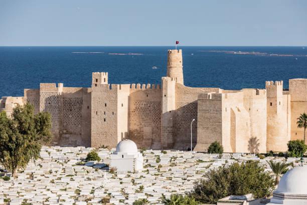 Luftbild auf Friedhof Sidi el-Mezeri in Monastir. Tunesien – Foto