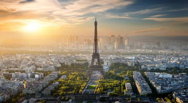 aerial view on eiffel tower - париж франция стоковые фото и изображения