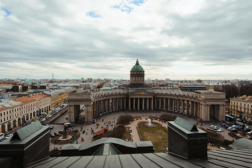 Aerial View On Saint Petersburg City Russia With Roofs Sky The Kazan Cathedral Selective Focus Russian Travelling And Tourism Spb Touristic Concept — стоковые фотографии и другие картинки Архитектура
