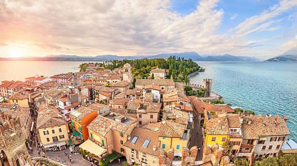 Luftaufnahme auf Sirmione, Italien – Foto