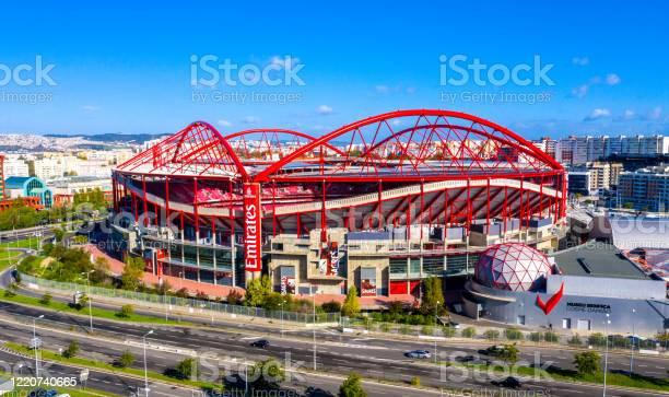 Aerial View Over Benfica Lisbon Soccer Stadium Called Estadio Da Luz City Of Lisbon Portugal November 5 2019 - Fotografias de stock e mais imagens de Ambiente