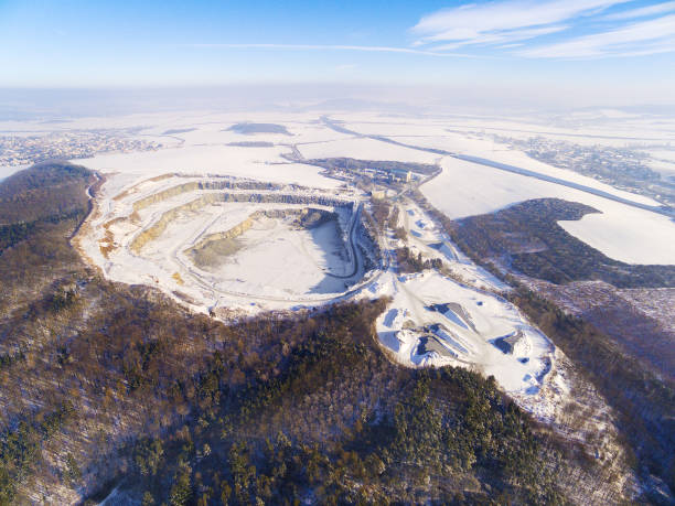 luftaufnahme, steinbruch, im winter. - aerial view soil germany stock-fotos und bilder