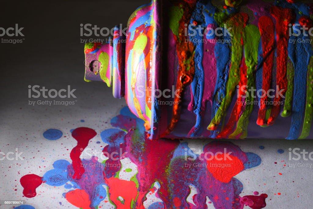 Aerosol-Lack in bunten Flecken, Flecken der Farbe strukturiert. – Foto