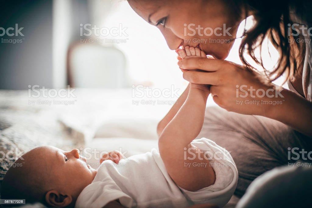 Cariñoso madre - foto de stock