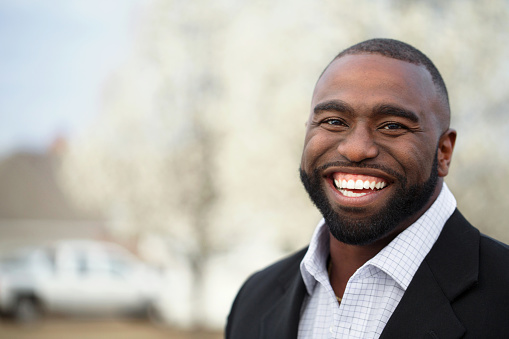 825083248 istock photo African American Business Man Smiling 467076642