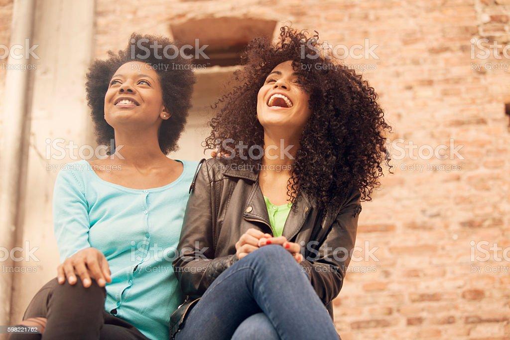 African american friends outdoors - foto de acervo