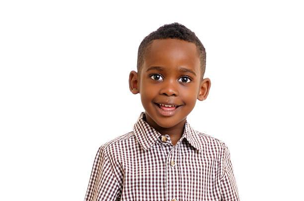 African American Pre-school-Jungen lächelnd isoliert auf weiss – Foto