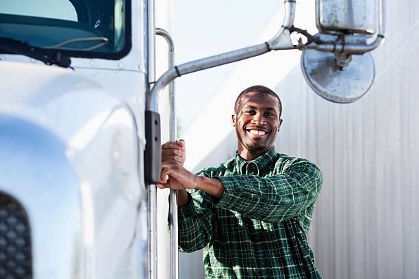afroamericana conductor de camión - conductor de autobús fotografías e imágenes de stock