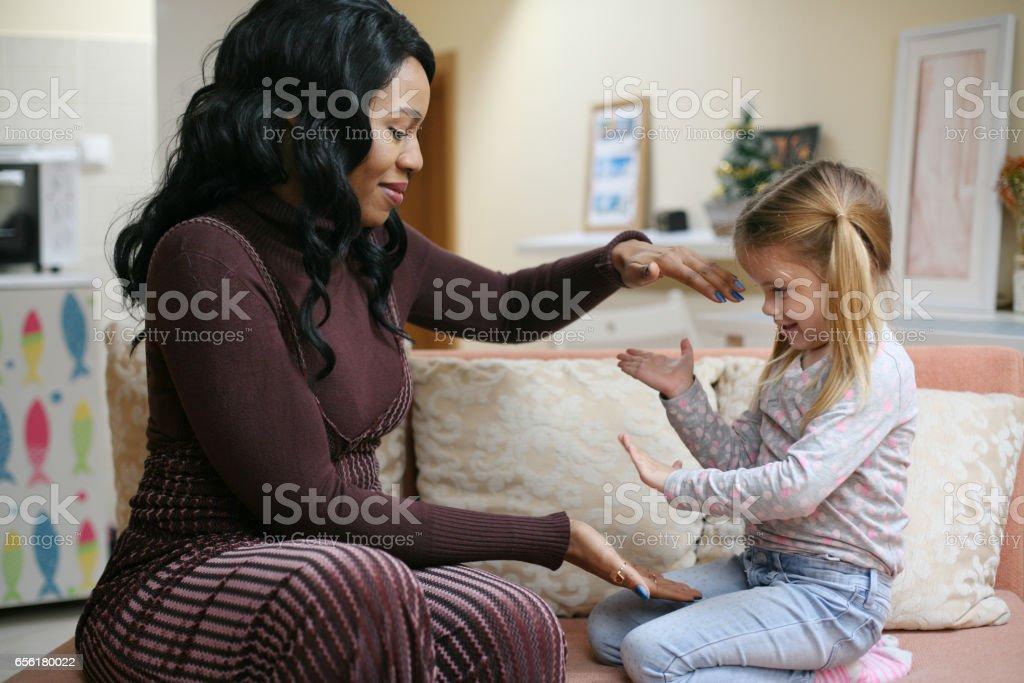 Afroamerikanische Frau mit Kind. – Foto
