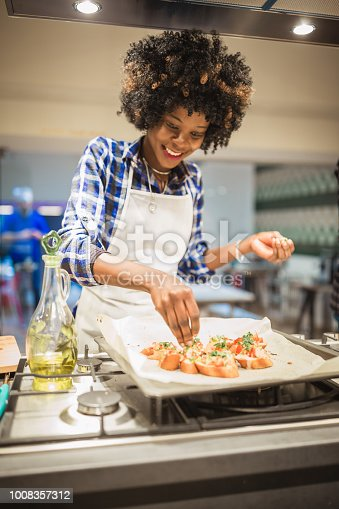 African American women on cooking class