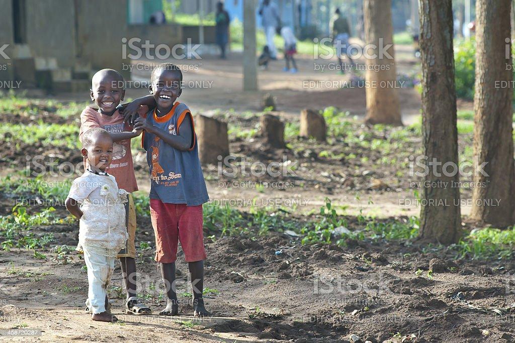 Afrikanische Kinder spielen in ihrem Dorf, Ruanda – Foto