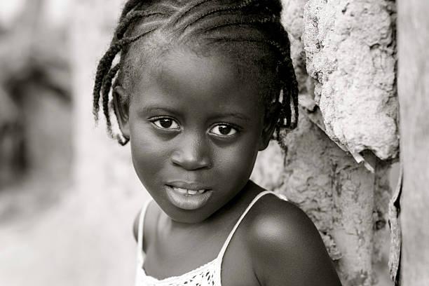 afrikanische mädchen - ghana zöpfe stock-fotos und bilder