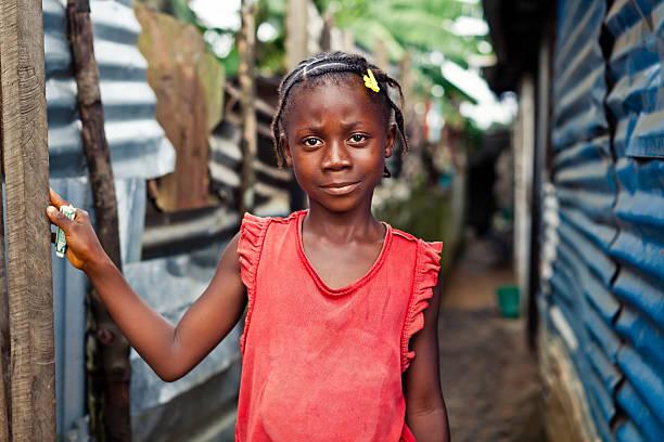 ragazza africana - bambine africa foto e immagini stock