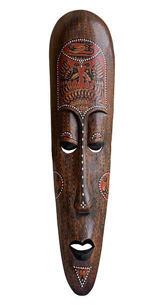 afrikanische maske auf weiß - afrikanische masken stock-fotos und bilder