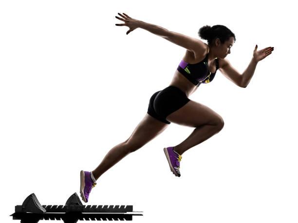 african runner running femme sprint sprinter isolé b blanc - starting block photos et images de collection