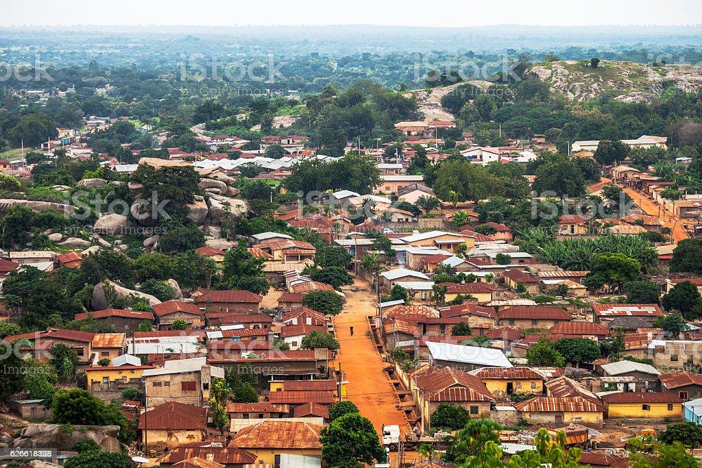 Africano cidade. Dassa-Zoume, no Benim. - foto de acervo