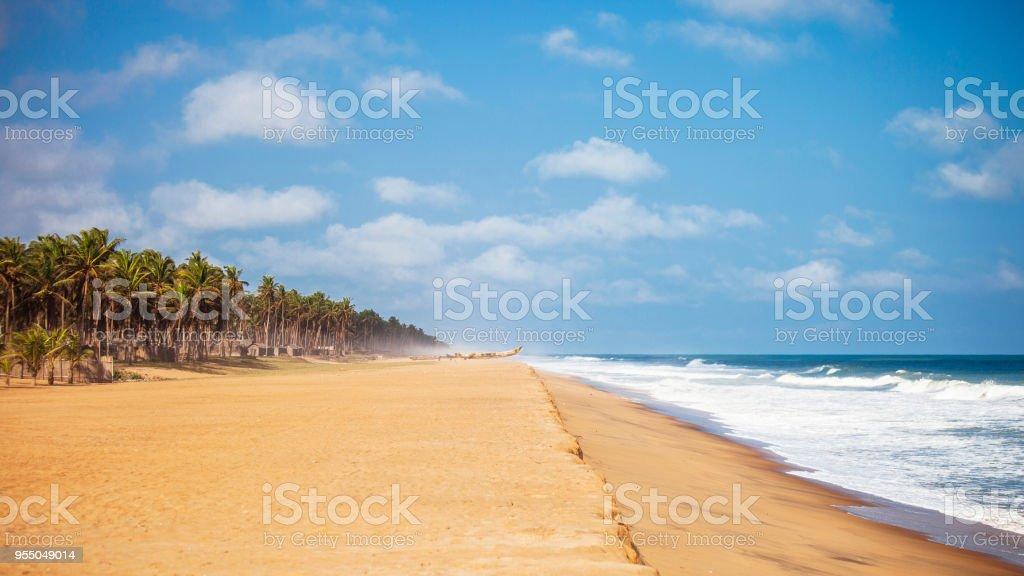 Aldeia africana na costa - Ouidah, Benin, África Ocidental - foto de acervo