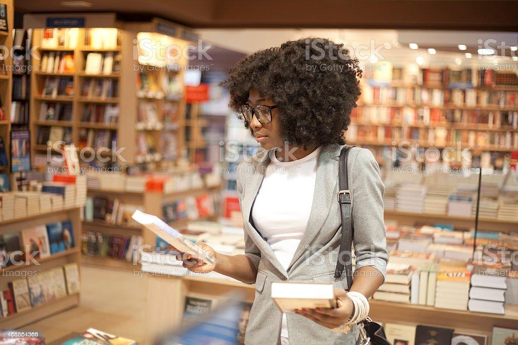 чем почему нельзя фотографировать в книжных магазинах снимки одними самых