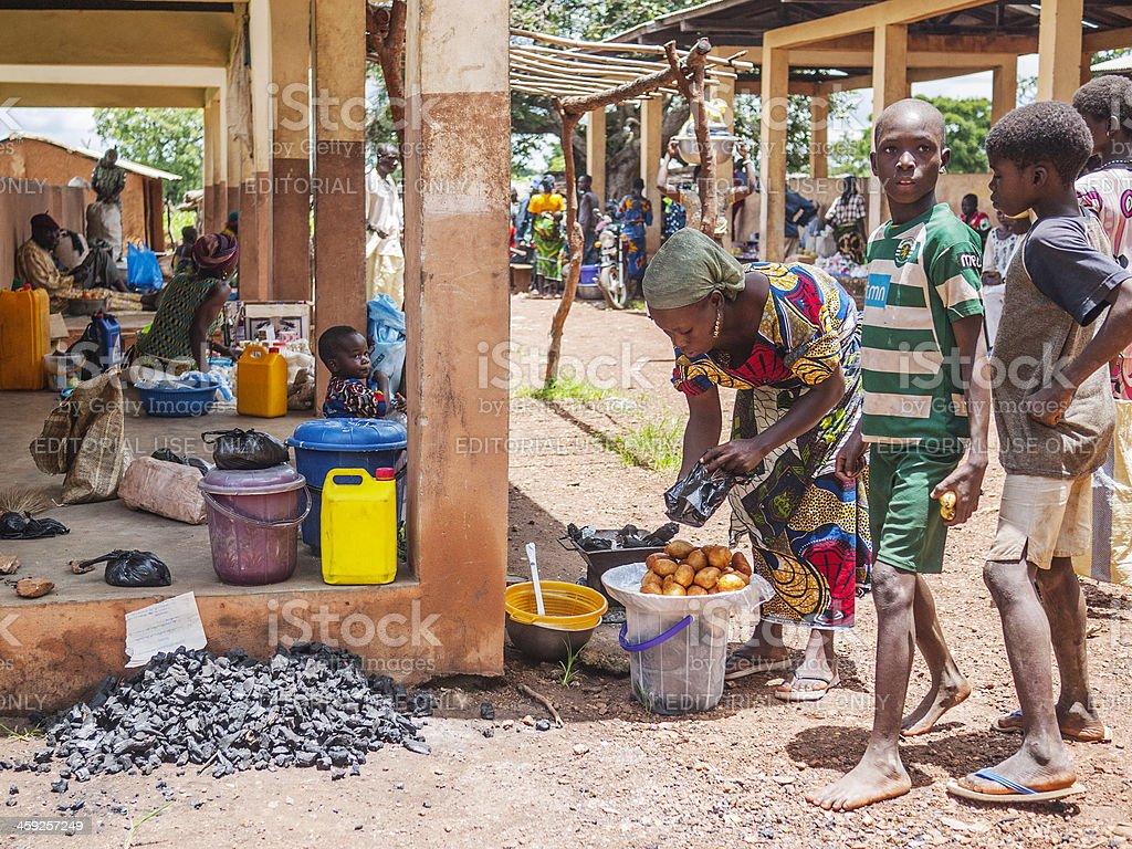 Afrikanische Frauen Kochen. – Foto