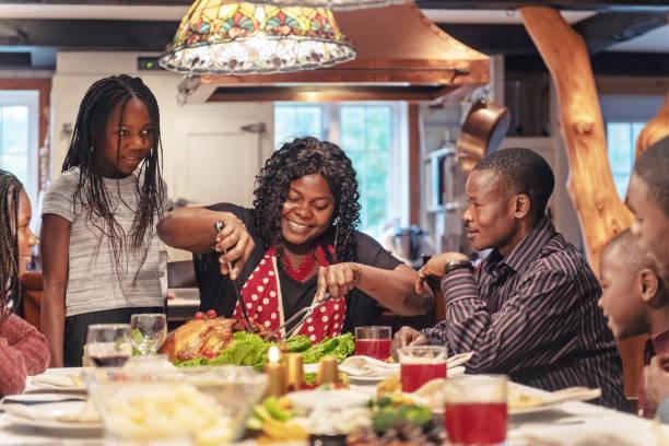 African-American Vorbereitung Thanksgiving-dinner – Foto
