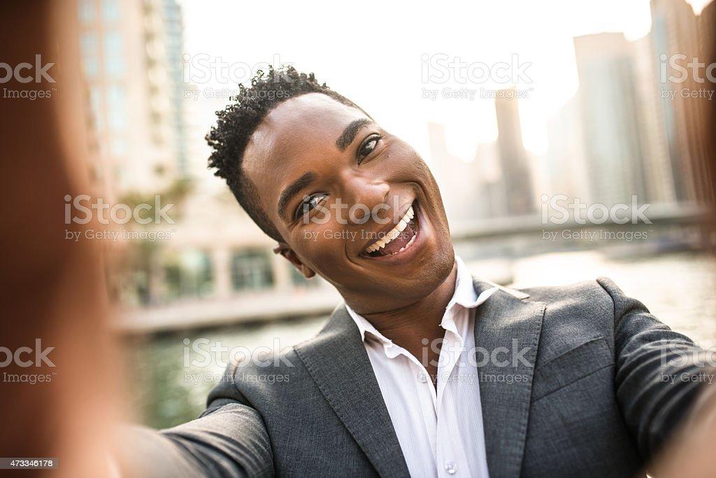 Afro américain Homme d'affaires, prendre un selfie - Photo