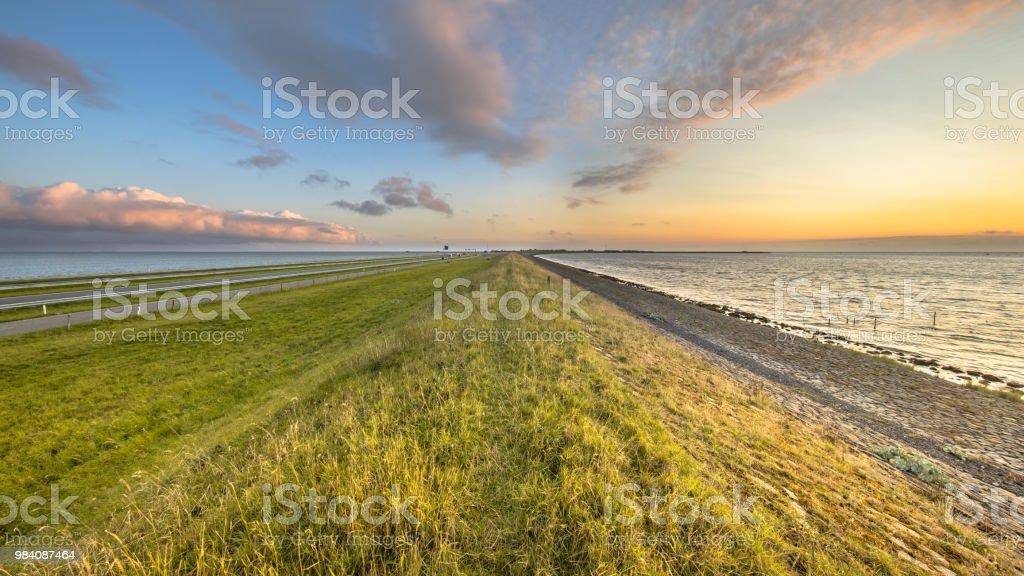 Afsluitdijk Nederlandse Dijk zonsondergang landschap foto