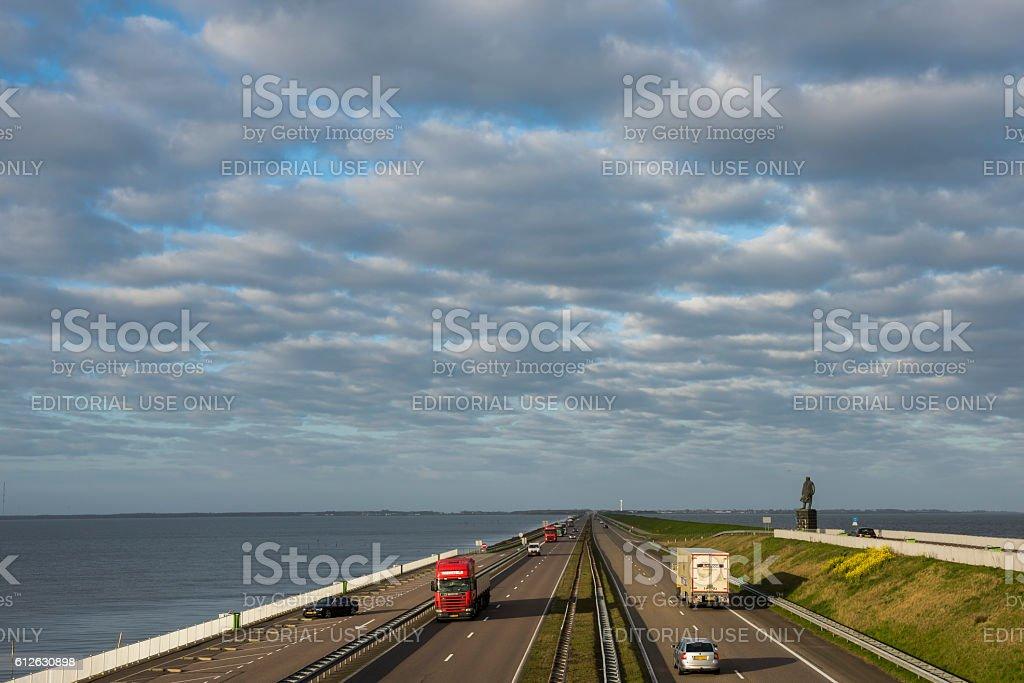 Afsluitdijk with Highway foto