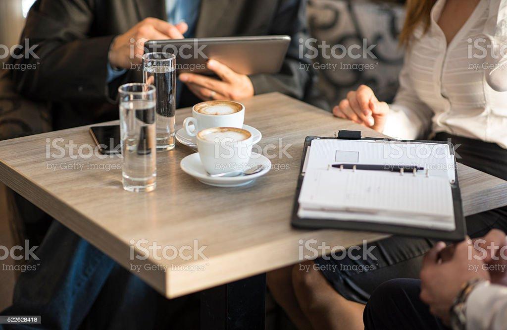 Depois de trabalhar no café - foto de acervo