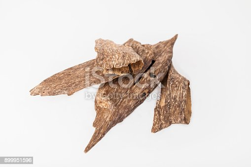 istock Agarwood incense chips 899951596
