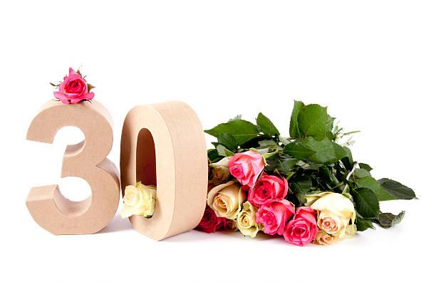 wiek w numery na usłany różami - 30 te urodziny zdjęcia i obrazy z banku zdjęć
