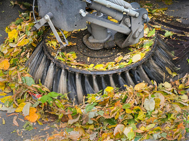 aggregation collecting leaves with machine street sweeper stock pictures, royalty-free photos & images