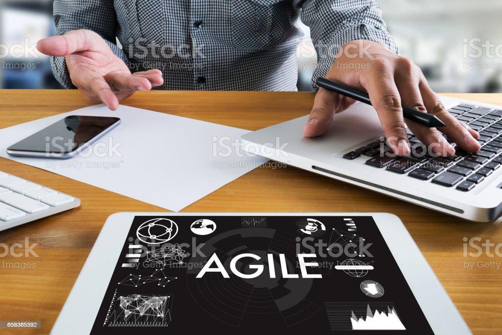 Empresario de agilidad ágil rápido rápido concepto ágil de trabajo - foto de stock